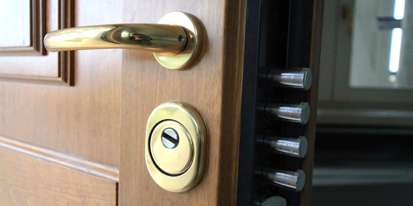 Sostituzione serrature porte blindate genova fabbro cacciatore genova fabbro cacciatore genova - Cambiare serratura porta ...