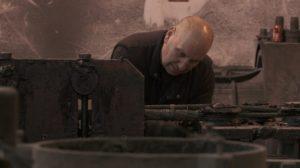 man-training-machinery-darkness-worker-job-598393-pxhere.com (1)