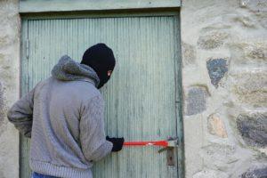 thief-1562699_1280